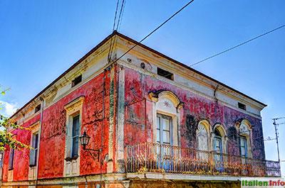 Lentiscosa: Farbenprächtiges Haus