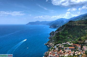 Riomaggiore: Blick über die Cinque Terre