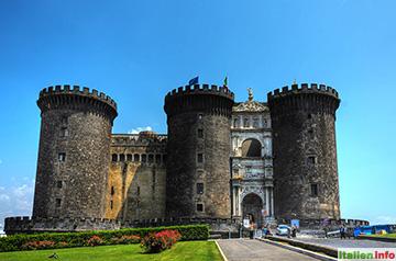 Neapel: Castel Nuovo
