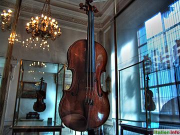 Cremona: Violinenmuseum im Palazzo Comunale
