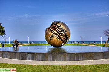 Pesaro: La Sfera Grande