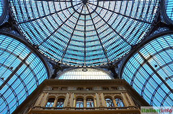 Neapel: Galleria Umberto I