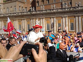 Rom: Petersplatz, Papst Benedikt XVI.