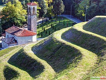 Spilimbergo: Terrassen-Strukturen