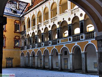 Brixen: Innenhof der Hofburg