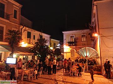 Termoli: Abends in der Altstadt