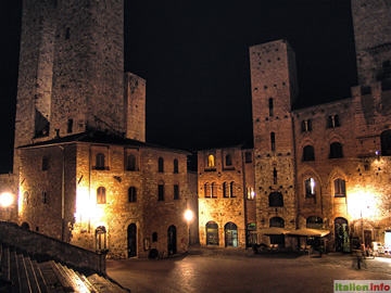 San Gimignano: Piazza Duomo