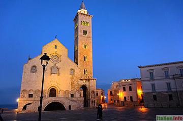 Trani: Kathedrale im Abendlicht