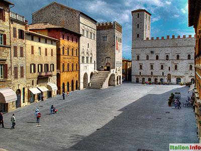 Todi: Piazza del Popolo
