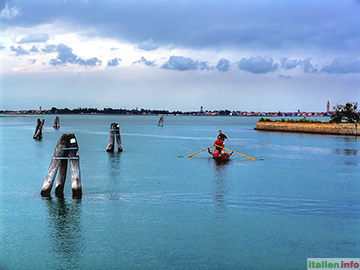 Venedig: Lagune bei der Insel Burano