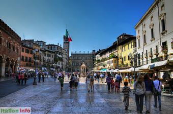 Verona: Piazza delle Erbe