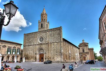 Atri: Kathedrale Santa Maria Assunta