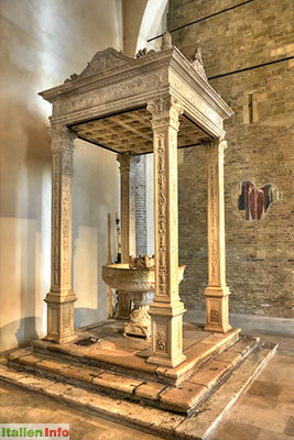 Atri: Kathedrale - Baptisterium