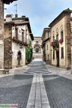 Pescocostanzo: Blick auf die Basilica Santa Maria del Colle