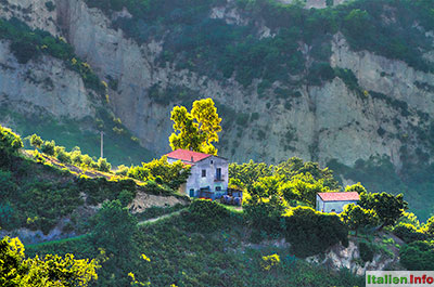 Aliano: Abendsonne in den Calanchi-Hügeln