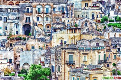 Matera: Altstadt - Eng verschachtelte Häuser