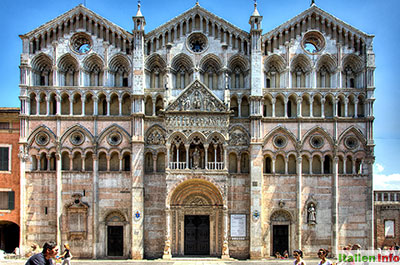 Ferrara: Kathedrale San Giorgio - Fassade
