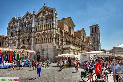 Ferrara: Kathedrale San Giorgio