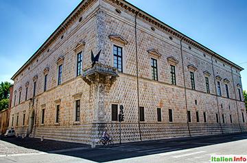 Ferrara: Palazzo dei Diamanti