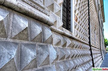 Ferrara: Palazzo dei Diamanti - Detail