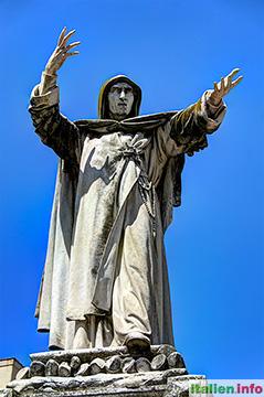 Ferrara: Savonarola-Denkmal