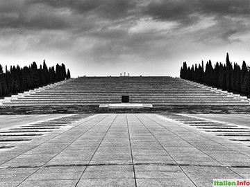 Fogliano Redipuglia: Soldatenfriedhof Redipuglia