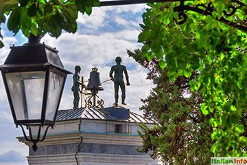 Udine: Uhrenturm mit zwei Mohren