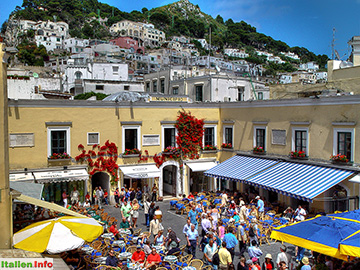 Capri: Piazza Umberto