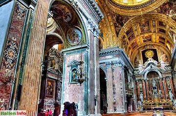 Neapel: Chiesa del Gesù Nuovo