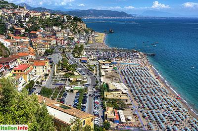 Vietri sul Mare: Strand, gut besucht