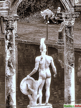 Tivoli: Hermes-Statue in der Hadriansvilla