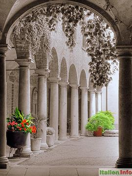 Cremona: Innenhof