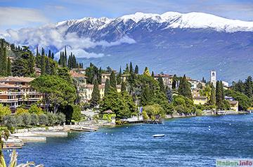 Gardone Riviera: Gardasee-Ufer