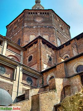 Pavia: Dom