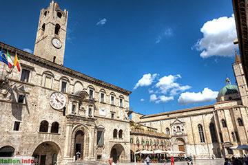 Ascoli Piceno: Piazza del Popolo