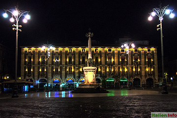 Catania: Piazza del Duomo mit Elefantenbrunnen