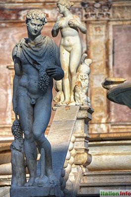 Palermo: Fontana Pretoria - Flussgott und Nymphe