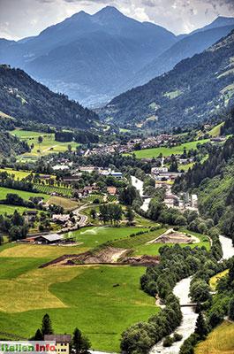 St. Leonhard in Passeier: Blick ins Passeiertal