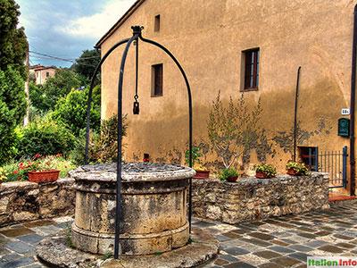 Bagno Vignoni: Mittelalterlicher Brunnen
