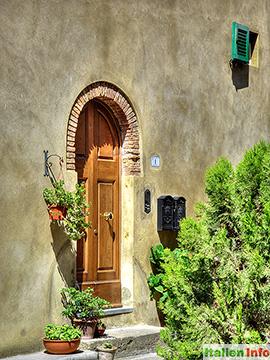 Bibbona: In der Altstadt