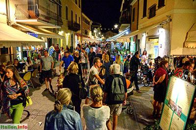 Castiglione della Pescaia: Buntes Treiben am Abend