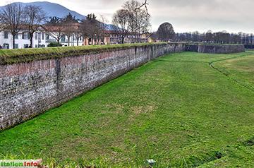 Lucca: Stadtmauer