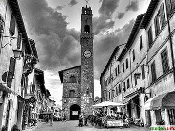 Montalcino: Piazza del Popolo