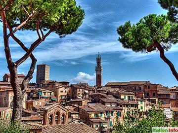 Siena: Altstadt mit Torre di Mangia