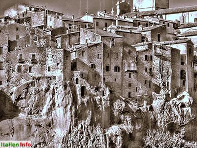 Pitigliano: Mit dem Felsen verwachsen