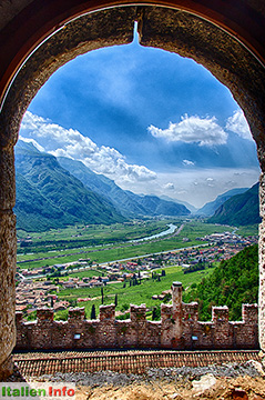 Avio: Castello di Avio - Blick aus dem Bergfried