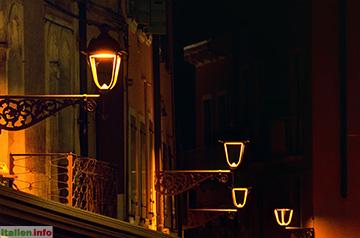 Bardolino: Nächtliche Beleuchtung