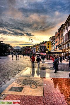 Verona: Piazza Bra - nach dem Regen