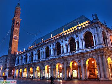 Vicenza: Basilica Palladiana bei Nacht