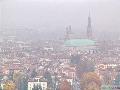 Vicenza: Herbstnebel